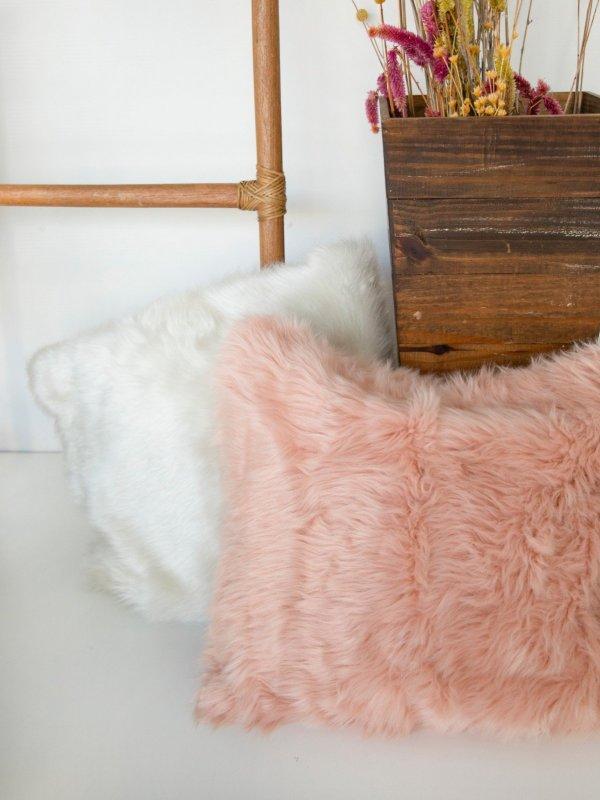 Capa de Almofada de Pelo Rosa