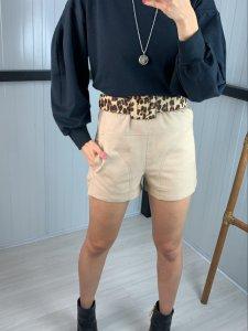 Shorts Marfim-3