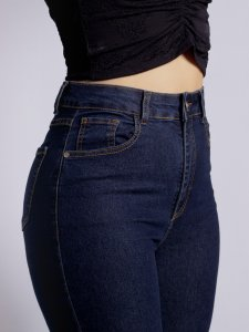 Calça Jeans Flare Escura-4
